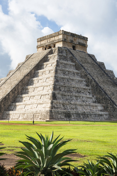Exklusiva konstfoton El Castillo Pyramid in Chichen Itza