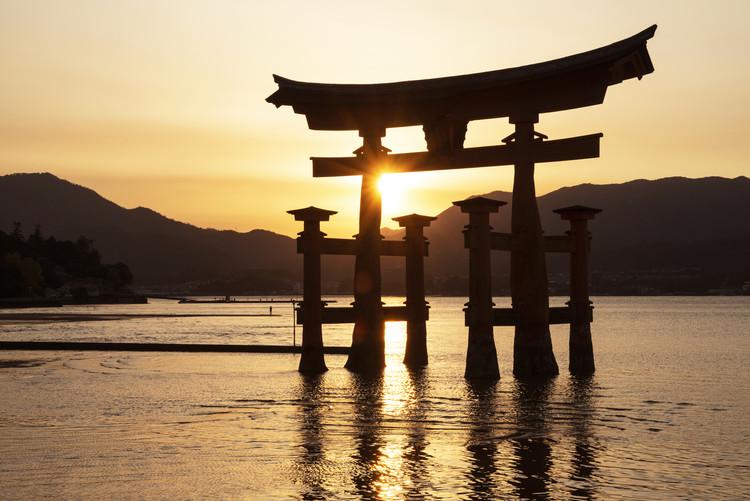Exklusiva konstfoton Miyajima Torii Sunset
