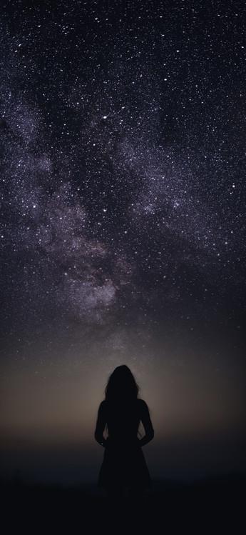 Exklusiva konstfoton silhouette of woman looking stars