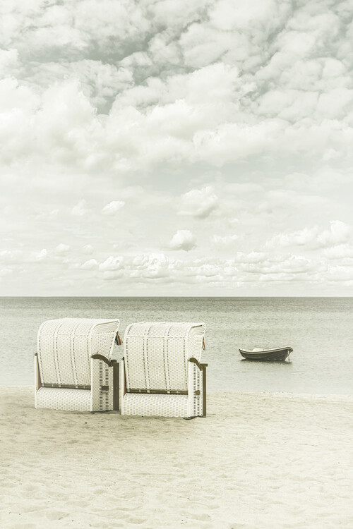 Exklusiva konstfoton Idyllic Baltic Sea with typical beach chairs   Vintage