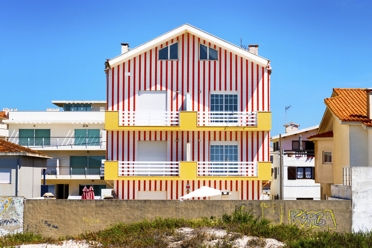 Exklusiva konstfoton Red Striped House