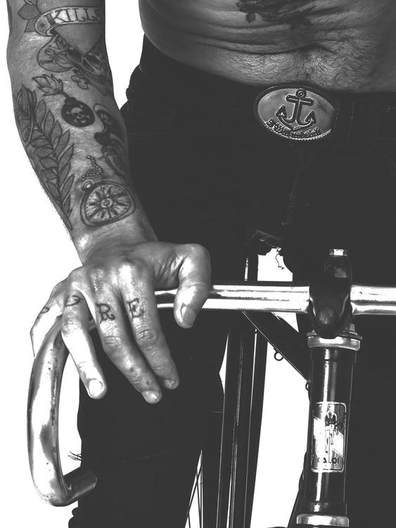 Exklusiva konstfoton Tatted bike guy
