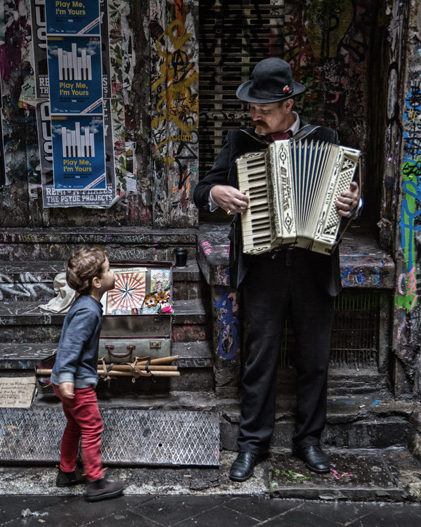 Exklusiva konstfoton The Busker and the Boy