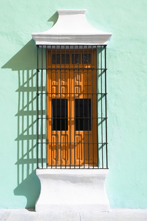 Fotografia d'arte Orange Window and Coral Green Wall in Campeche