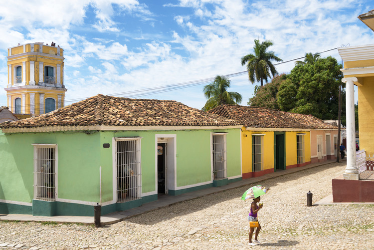 Fotografii artistice Colorful Street Scene in Trinidad