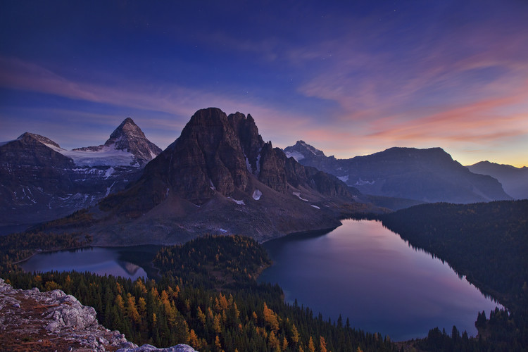 Fotografii artistice Twilight at Mount Assiniboine