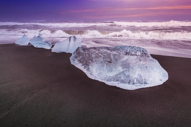Ekskluzivna fotografska umetnost ICELAND Blocks of ice on the coast