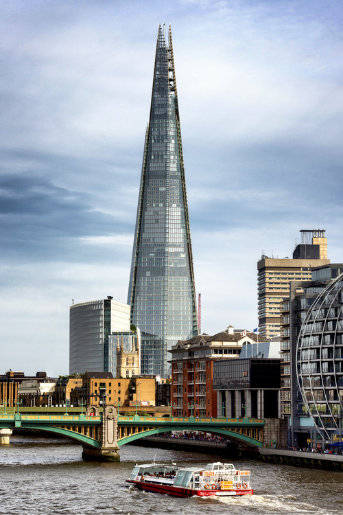 Ekskluzivna fotografska umetnost The Shard Building and The River Thames