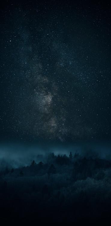 Ekskluzivna fotografska umetnost Astrophotography picture of Bielsa landscape with milky way on the night sky.