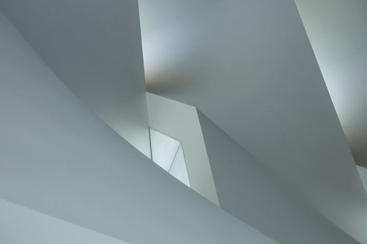 Fotomural Minimalistic play of lines and light