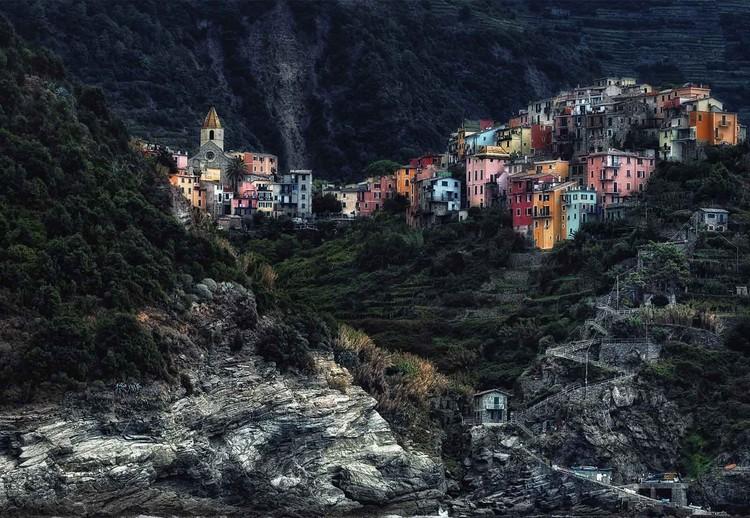 Fotomural  Village On The Rocks