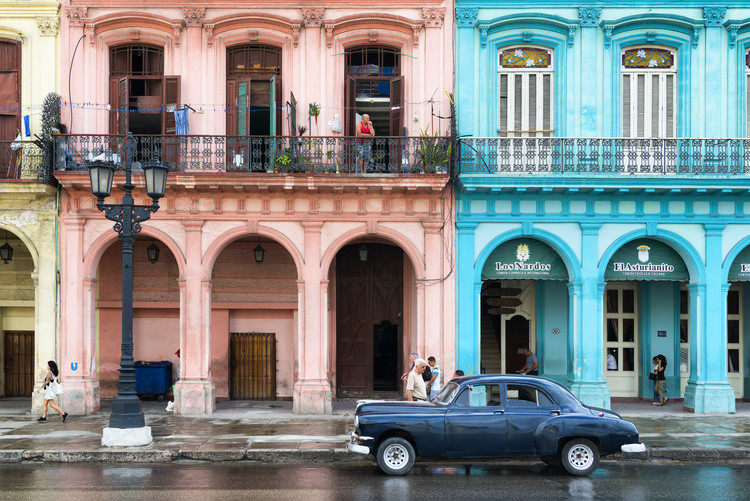 Colorful Architecture and Black Classic Car Fototapet