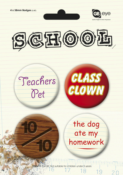 SCHOOL kitűző