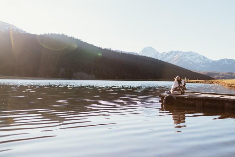 Kunstfotografier adventure friends on the lake