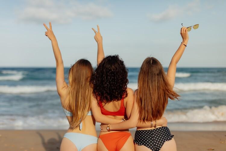 Kunstfotografier friends on the beach