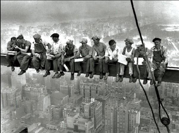 Reproducción de arte  Nueva York - Lunch on a skyscraper - muži na traverze