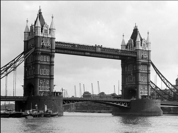 Reproducción de arte  Philip Gendreau - View Of Tower Bridge