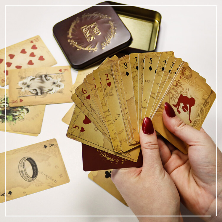 Jouer aux cartes - The Lord of the Rings