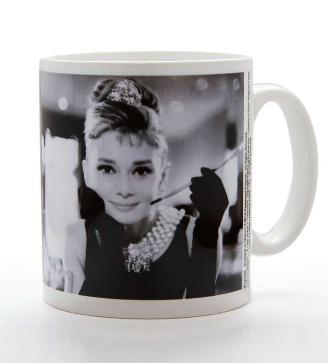 Audrey Hepburn - B&W muggar