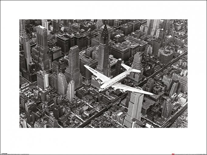 Reprodukce Time Life - DC-4 Over Manhattan