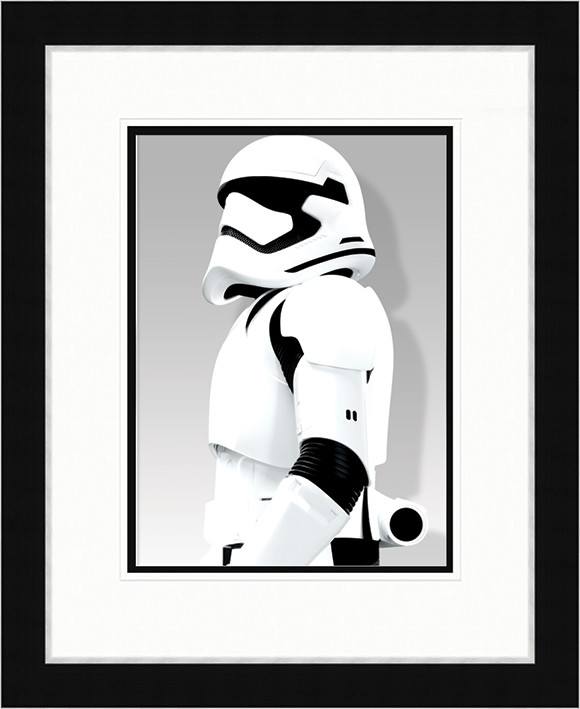Gwiezdne wojny, część VII : Przebudzenie Mocy - Stormtrooper Shadow oprawiony plakat