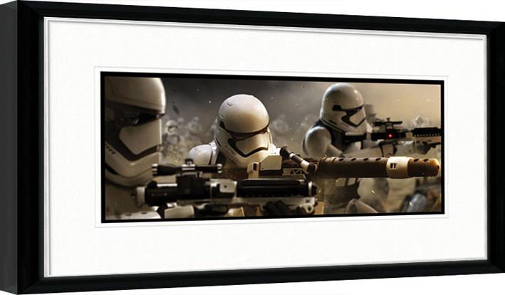 Gwiezdne wojny, część VII : Przebudzenie Mocy - Stormtrooper Trench oprawiony plakat