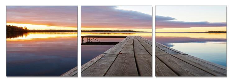 Obraz  Klidná voda - dřevěné molo