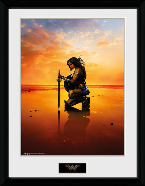 Wonder Woman - Kneel zarámovaný plakát
