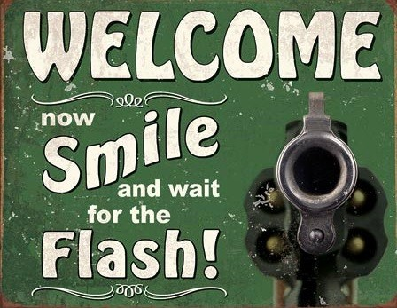Placă metalică Smile for the Flash