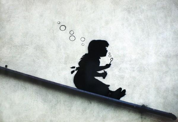 Plagát Banksy street art - Graffiti Girl Sliding