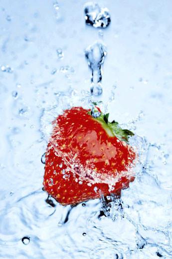 Plagát Strawberry on ice