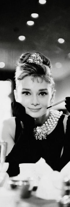 Audrey Hepburn - cigarette b/w Plakat