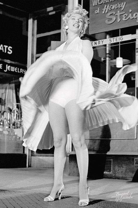 Marilyn Monroe - skirt up Plakat