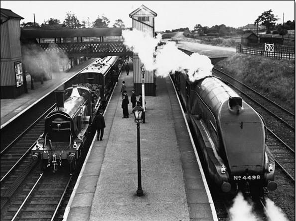 Steam train at Stevenage Station, 1938 Kunsttryk