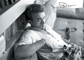 James Dean - camera b&w Plakát