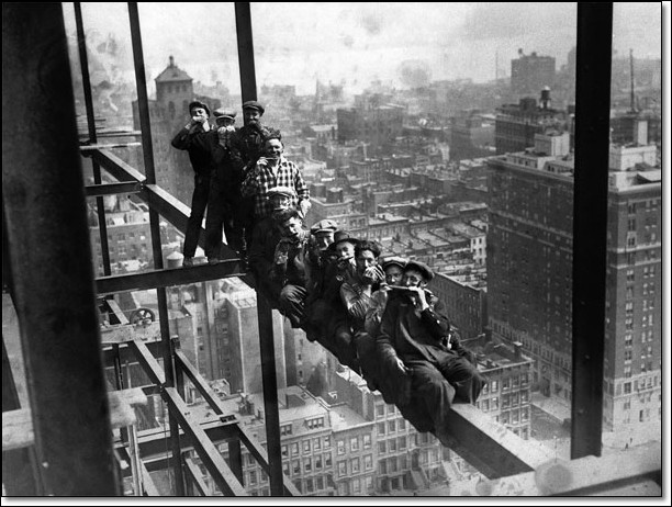 Construction Workers on scaffholding above New York  Reproducere