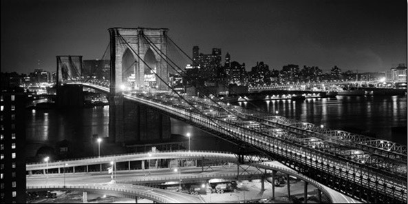New York - Brooklyn bridge v noci Reproducere