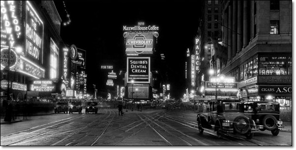 kunstdruck new york times square at night 1910 bei europosters. Black Bedroom Furniture Sets. Home Design Ideas
