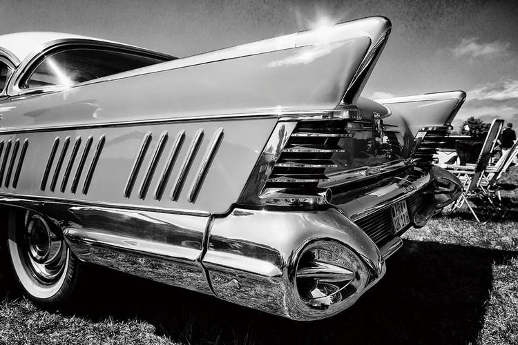 Cars - Black and White Cadillac Print på glas