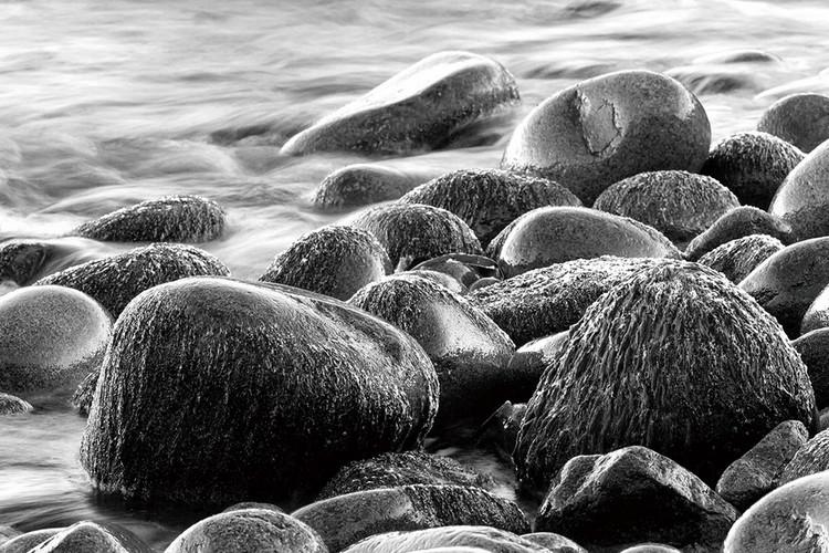 Sea - Grey Stones Print på glas