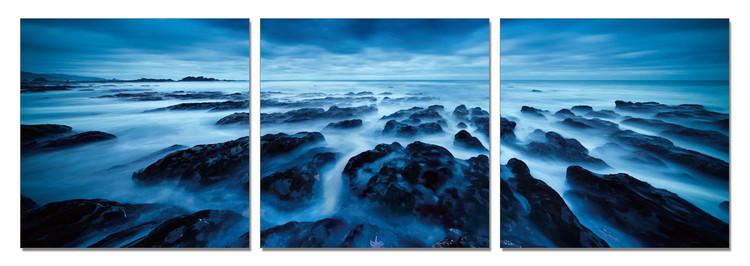Rocky Shore at Twilight Moderne billede