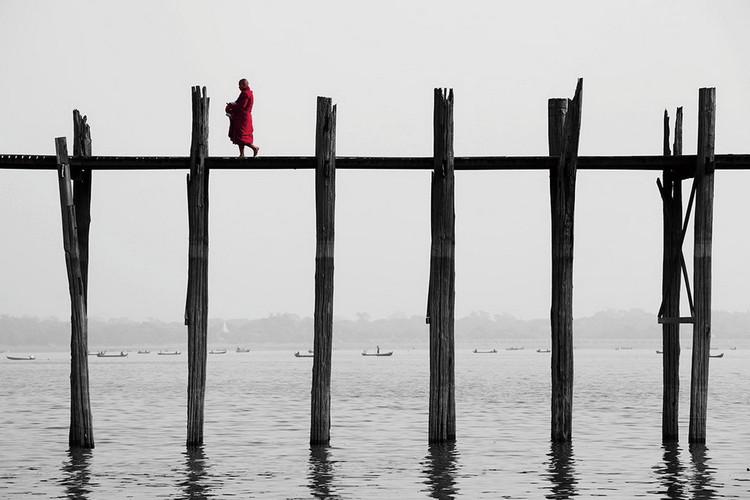Skleněný Obraz Buddhistický mnich na molu