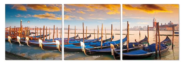 Boats in the bay Slika