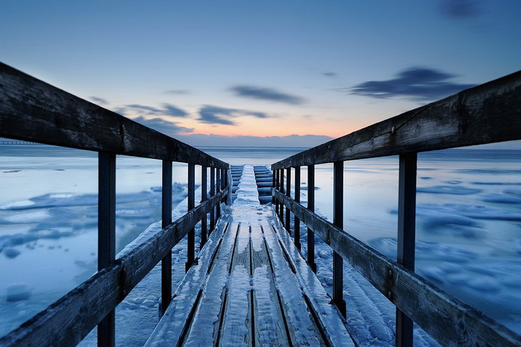 Blue Wooden Jetty Staklena slika