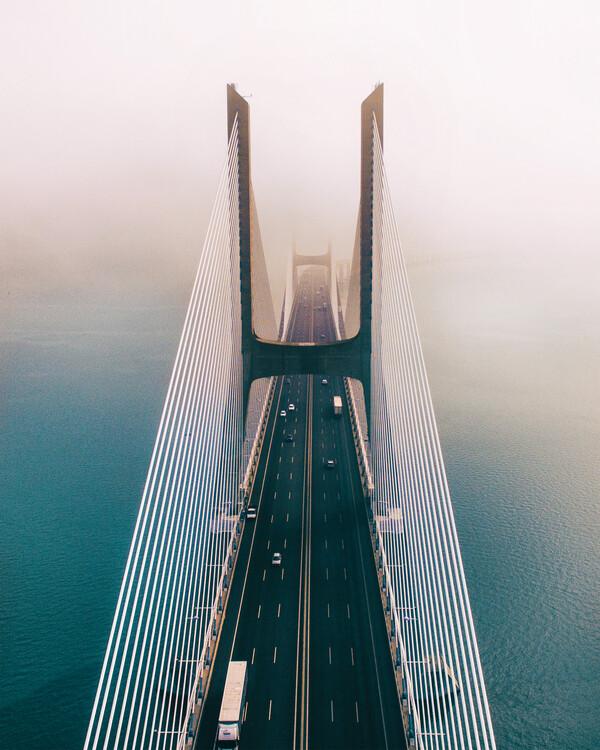 Umjetnička fotografija Over the Bridge