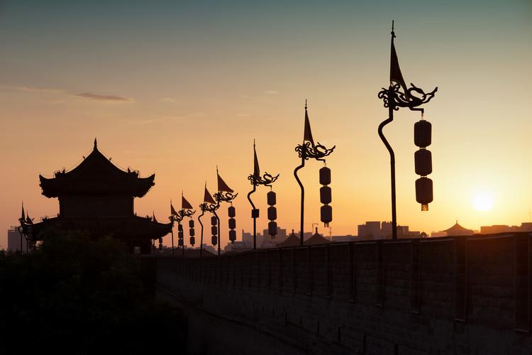 Umjetnička fotografija China 10MKm2 Collection - Shadows of the City Walls at sunset